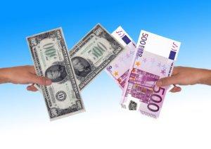 ¿Cómo funciona el cambio de moneda?