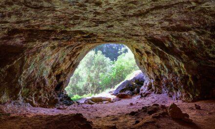 De cuevas por Menorca