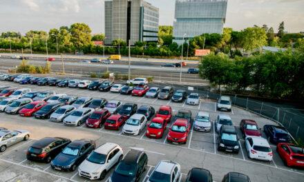 Dónde aparcar si vuelas desde Madrid