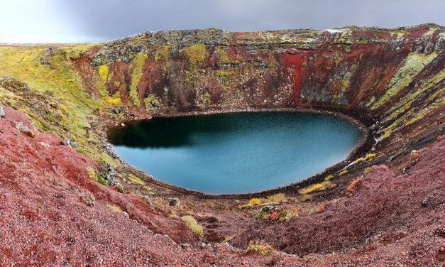 El lago Kerid de Islandia