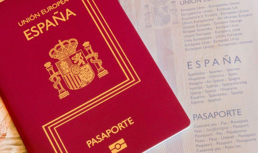 El pasaporte español, de los más viajeros