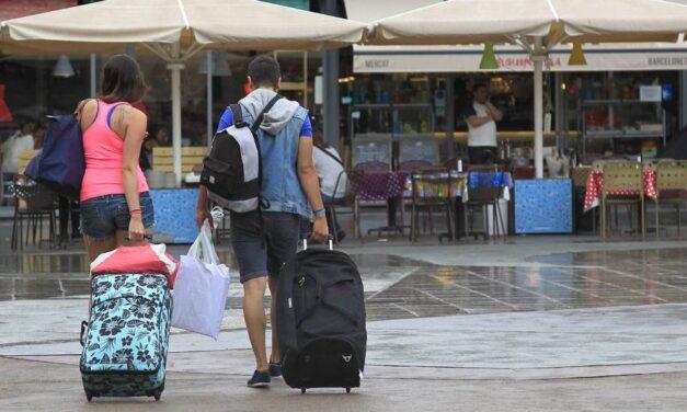 España llegará a los 83 millones de turistas