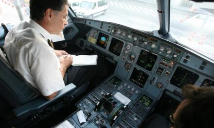 Europa estudia reforzar la seguridad en cabina de los aviones