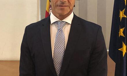 Piden el cese del director del aeropuerto de Santander