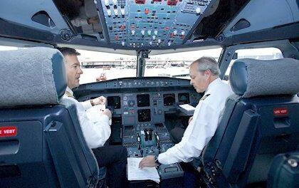 Prosiguen las negociaciones de los pilotos de Iberia