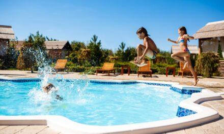 ¿Dónde reservar casas rurales con piscina?